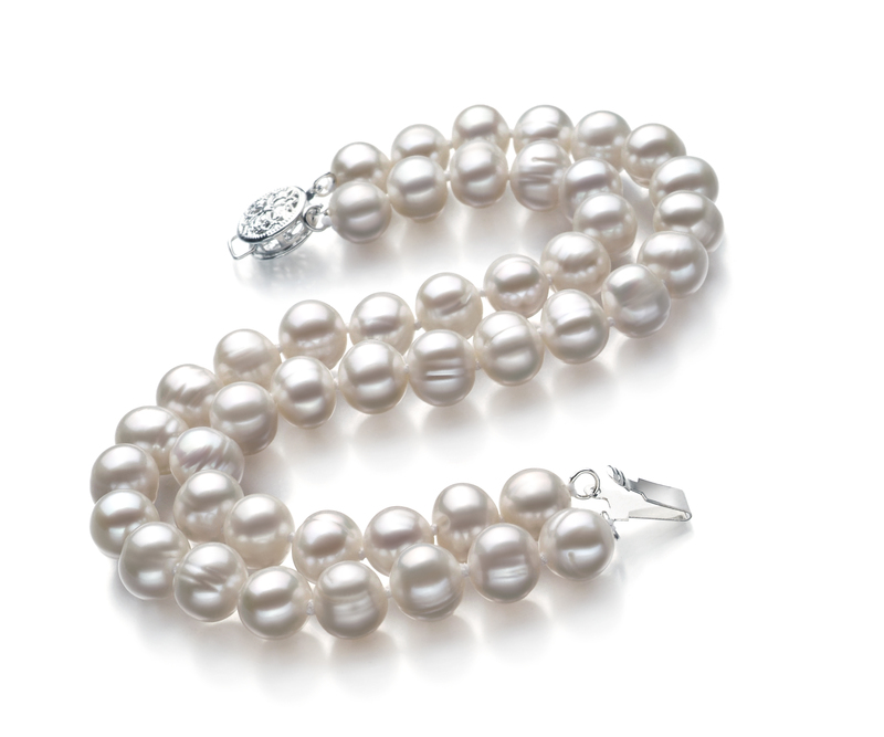 6-7mm A Quality Freshwater Cultured Pearl Bracelet in White
